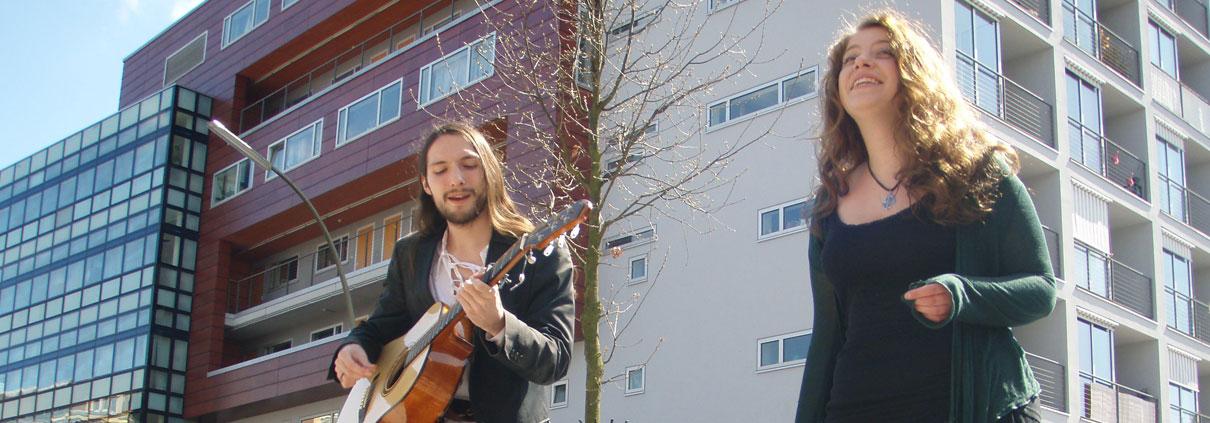 Musiker auf dem Flohmarkt Marie-Jonas-Platz